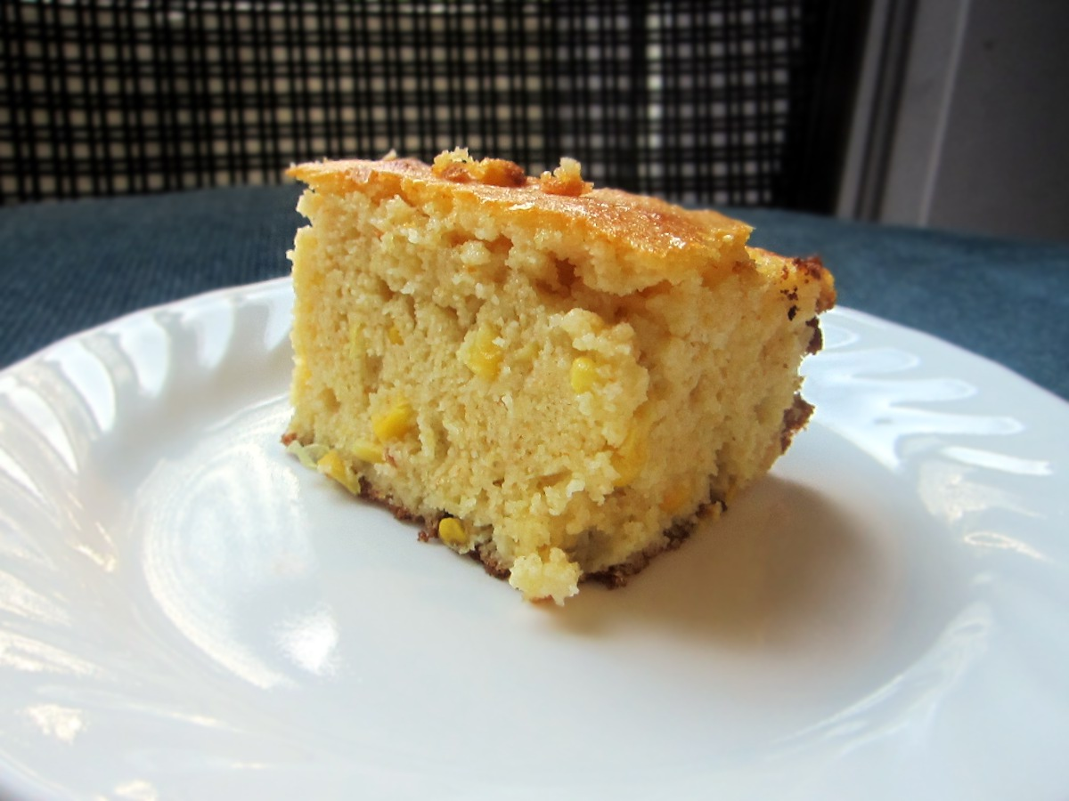 Thick n' Moist Corn Bread | Qwerty Cafe