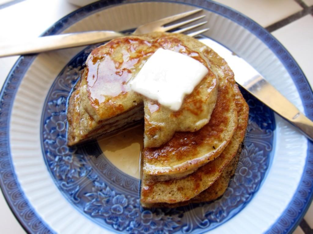 gluten free banana pancakes 1