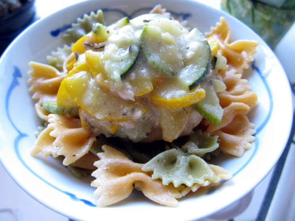 summe squash garlic chicken pasta 1